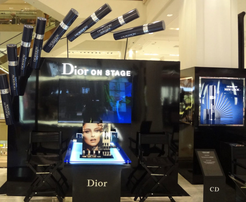 Dior booth - Install